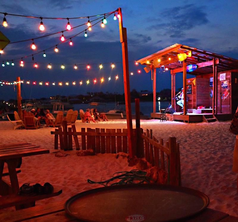 Orange-Beach-Places-To-Eat-Yacht-Club