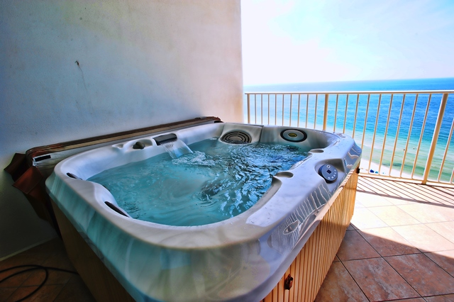Availibility for turquoise place orange beach al 1304c for Balcony hot tub